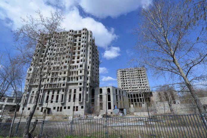 В Москве возобновили строительство домов для дольщиков